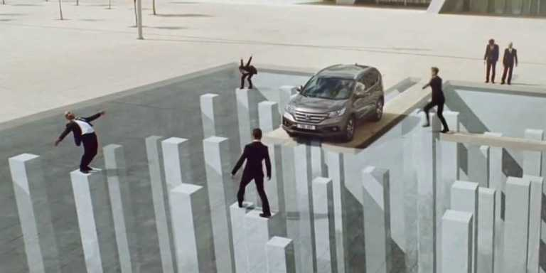 honda-uses-unbelievable-optical-illusions-to-sell-its-fuel-efficient-suv