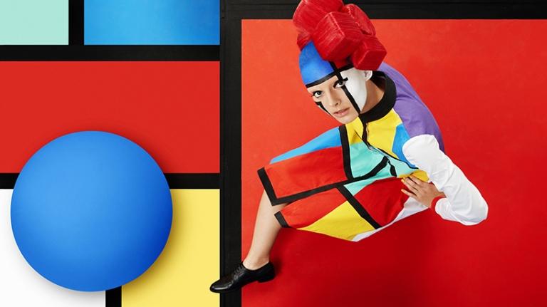 sagmeister-walsh-aizone-campaign-designboom-05